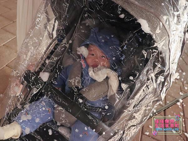 【塔塔懷特育兒好物】Zooper Jazz2嬰兒車開箱與心得分享:林萌之的第一台嬰兒車!嬰兒就可以開始用的 Zooper Jazz,可平躺、可折疊、可登機、輕便旅行用,全能小戰車推薦!-7252.jpg
