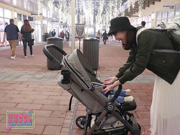 【塔塔懷特育兒好物】Zooper Jazz2嬰兒車開箱與心得分享:林萌之的第一台嬰兒車!嬰兒就可以開始用的 Zooper Jazz,可平躺、可折疊、可登機、輕便旅行用,全能小戰車推薦!-7271.jpg