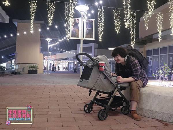 【塔塔懷特育兒好物】Zooper Jazz2嬰兒車開箱與心得分享:林萌之的第一台嬰兒車!嬰兒就可以開始用的 Zooper Jazz,可平躺、可折疊、可登機、輕便旅行用,全能小戰車推薦!-7266.jpg