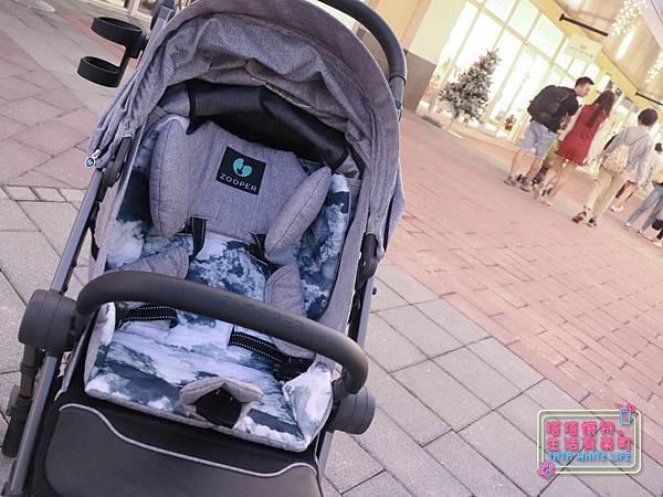 【塔塔懷特育兒好物】Zooper Jazz2嬰兒車開箱與心得分享:林萌之的第一台嬰兒車!嬰兒就可以開始用的 Zooper Jazz,可平躺、可折疊、可登機、輕便旅行用,全能小戰車推薦!-7227.jpg