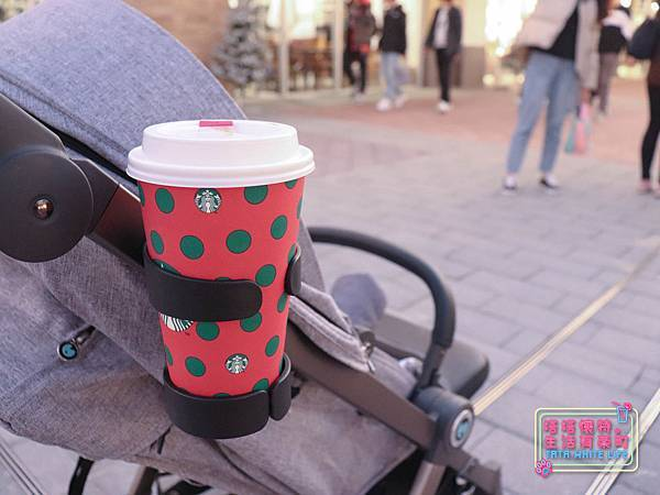 【塔塔懷特育兒好物】Zooper Jazz2嬰兒車開箱與心得分享:林萌之的第一台嬰兒車!嬰兒就可以開始用的 Zooper Jazz,可平躺、可折疊、可登機、輕便旅行用,全能小戰車推薦!-7226.jpg