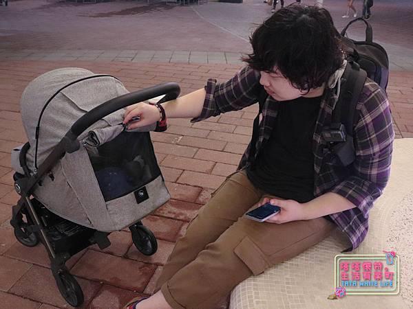 【塔塔懷特育兒好物】Zooper Jazz2嬰兒車開箱與心得分享:林萌之的第一台嬰兒車!嬰兒就可以開始用的 Zooper Jazz,可平躺、可折疊、可登機、輕便旅行用,全能小戰車推薦!-7262.jpg