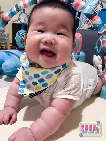 【塔塔懷特育兒好物】日本kawaii work手作八層紗圍兜:口水寶寶必備,吸水力強,雙面都可戴的日系時尚圍兜,我們在PINKOI買-.jpg