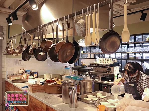 【塔塔懷特育兒生活】農人餐桌親子餐廳:台北親子餐廳推薦!餐點好吃,裝潢時尚,有兒童餐、寶寶粥與遊戲區-7703.jpg