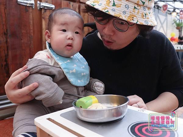 【塔塔懷特育兒生活】農人餐桌親子餐廳:台北親子餐廳推薦!餐點好吃,裝潢時尚,有兒童餐、寶寶粥與遊戲區-7691.jpg