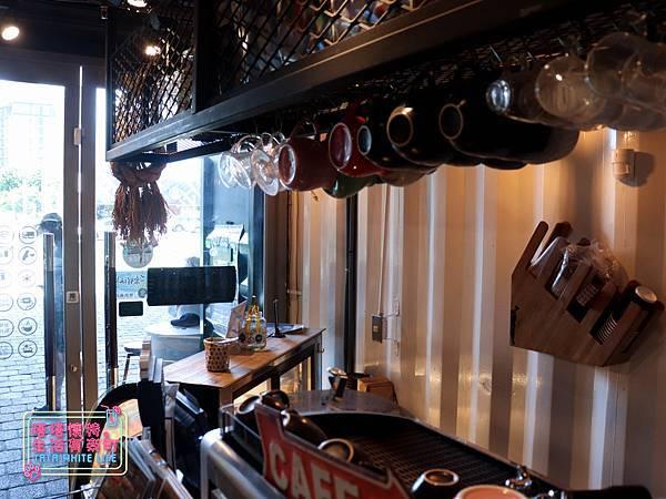 台東美食推薦:邦查咖啡Wow%5Cs 邦查 Cafe(波浪屋2號倉庫):好吃早午餐,鐵花村貨櫃屋特色餐廳,台東旅遊-9489.jpg