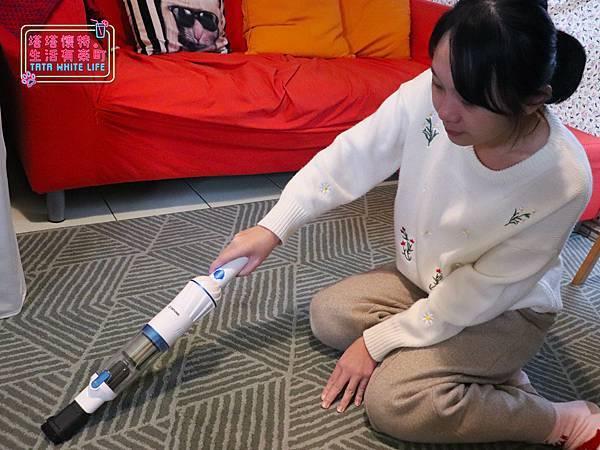 【塔塔懷特3C開箱】大同小藍無線手持吸塵器:超輕盈!!僅有570克的手持無線吸塵器,居家、車用、露營都適合,CP值超高,單手就可使用的打掃神器,隨時整理家中的好幫手!-6154.jpg