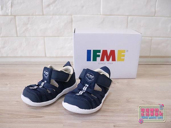【塔塔懷特育兒好物】日本IFME機能童鞋-排水系列:公園玩沙、夏天玩水、梅雨季都適合的機能水涼鞋,快乾舒適超清爽,寶寶學步鞋、夏季兒童涼鞋推薦! -6952.jpg