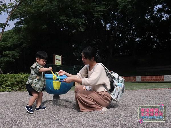【塔塔懷特育兒好物】日本IFME機能童鞋-排水系列:公園玩沙、夏天玩水、梅雨季都適合的機能水涼鞋,快乾舒適超清爽,寶寶學步鞋、夏季兒童涼鞋推薦! -6985.jpg
