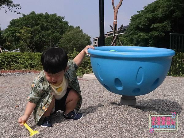 【塔塔懷特育兒好物】日本IFME機能童鞋-排水系列:公園玩沙、夏天玩水、梅雨季都適合的機能水涼鞋,快乾舒適超清爽,寶寶學步鞋、夏季兒童涼鞋推薦! -6979.jpg