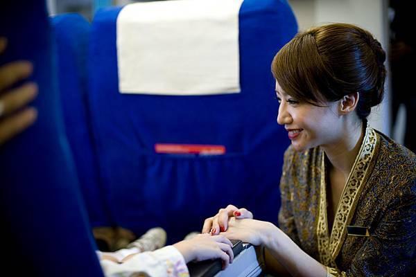 電影中LINDA飾演溫柔迷人的空姐