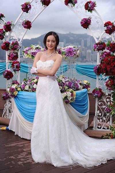 徵婚成功穿上漂亮婚紗