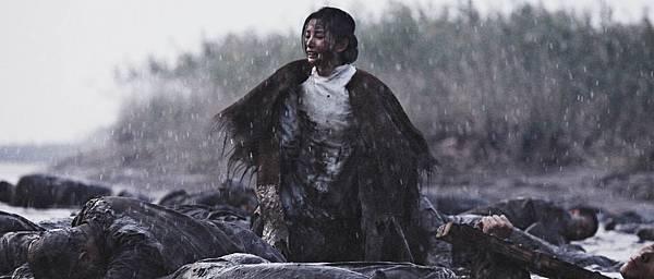 一場河灘撈屍戲,李冰冰演出了革命鬥士的大愛情誼