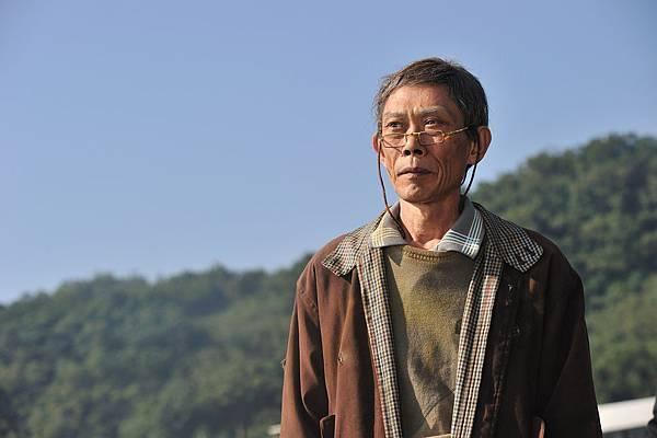 茂伯飾演一個思鄉的老人