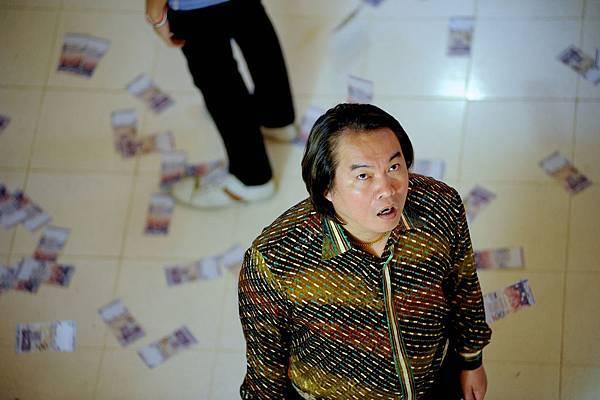 《貪心鬼見鬼》中康康飾演一個貧窮的倒楣鬼
