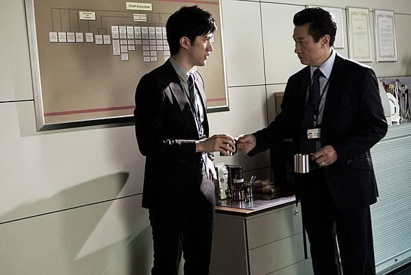 飾演李治廷長官的徐家傑,真實身分竟為前香港廉政公署副處長,為電影更添話題