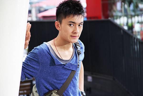 飾演江祖平兒子的吳勁威是新加坡近年竄紅的新生代男星,長相帥氣相當受歡迎