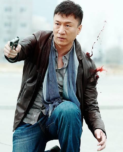 孫紅雷為了杜琪_忍了四年不接最愛的警匪片,《毒戰》卻被杜導惡整也甘之如飴