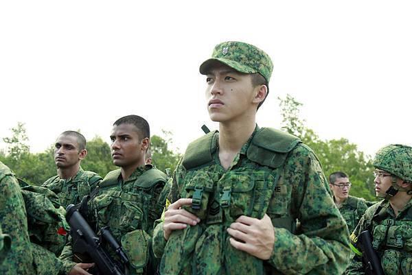 新加坡導演梁智強最新作品「新兵正傳」破紀錄,兩集締造5億台幣票房佳績!4月19日即將在台上映02