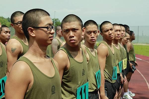 新加坡導演梁智強最新作品「新兵正傳」破紀錄,兩集締造5億台幣票房佳績!4月19日即將在台上映03