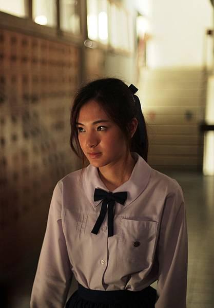 16歲的斑斑2年前就以恐怖片《陰地》獲得泰國金天鵝電影獎最佳女配角肯定,《我死在去年夏天》再奪最佳女主角呼聲高