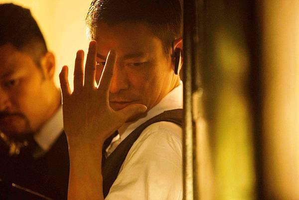 身兼投資、監製、主演三職的劉德華,片中飾演一個執著於追求正義的警察,卻在情與法之間遇到艱難的抉擇