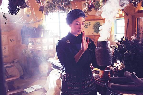 影后宮澤里惠演出魔女媽媽角色,讚小芝風花有大將之風1.jpg