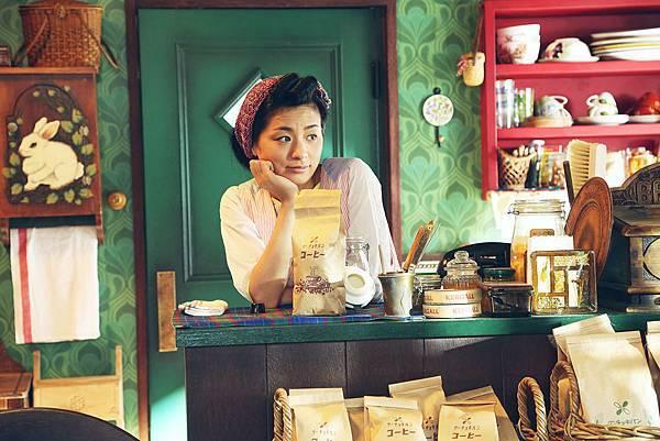 尾野真千子演出照顧魔女有佳的麵包店老闆娘3.jpg
