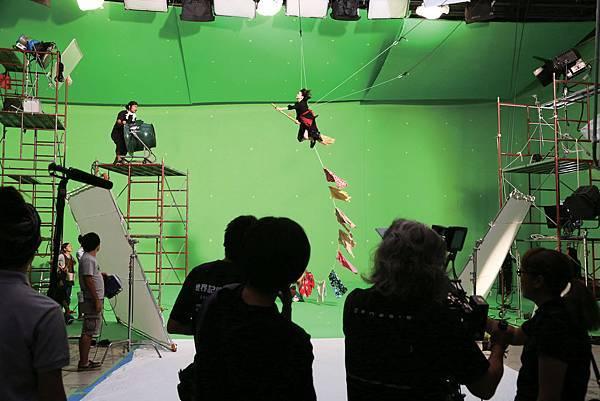 魔女飛天鏡頭特別選在全世界第一座「4D View」攝影棚拍攝02