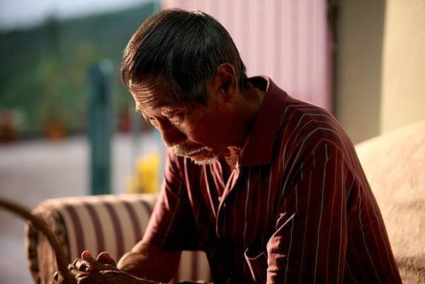 73歲的素人李世平扮演父親一角,處女作變成名,際遇有如「大馬茂伯」02.jpg