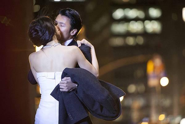 謝霆鋒高圓圓紐約街頭浪漫吻戲