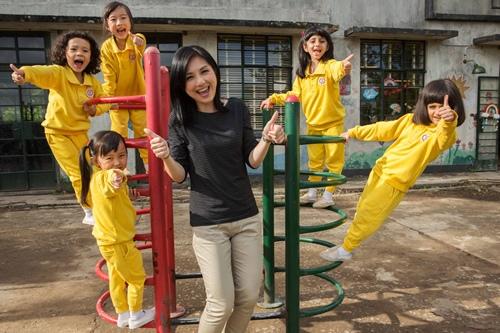 片中五位小女孩是從400多名小朋友選拔而出 3
