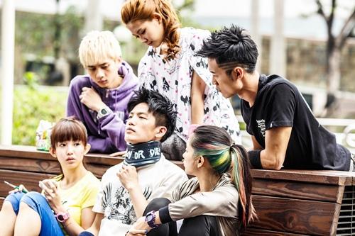 《舞鬥》集結了眾多新生代演員 大家努力練舞演戲 展現熱血團隊精神.jpg