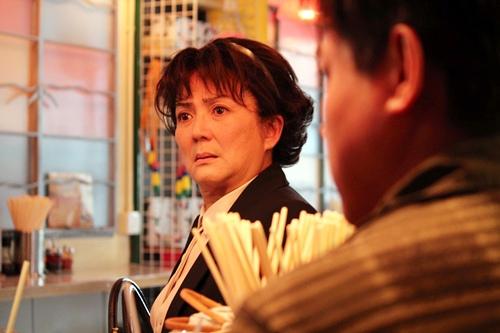 香港巨星馮寶寶在溫馨小品《媽咪俠》裡 精湛演出女人50的心境轉折 2
