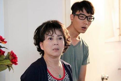 香港影后級巨星馮寶寶在《媽咪俠》中有許多內心戲演出 1