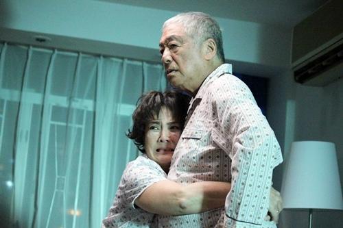 溫星小品《媽咪俠》由香港影后級巨星馮寶寶 演出50歲爸寶女兒1