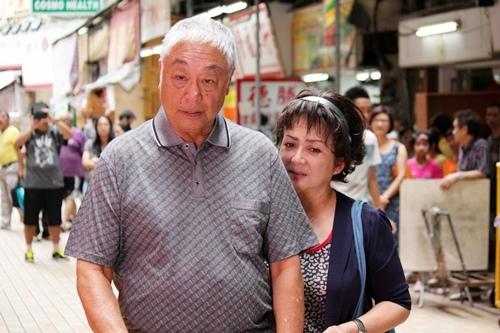 溫星小品《媽咪俠》由香港影后級巨星馮寶寶 演出50歲爸寶女兒2