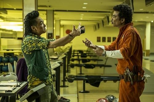 吳鎮宇和任達華在《衝鋒車》裡有爆笑誇張的造型和演出