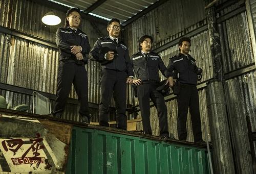 香港演技派演員吳鎮宇、任達華、譚耀文、鄭浩南 在《衝鋒車》中大飆演技 瘋狂演出(2)