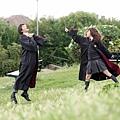 郭采潔和張智霖演《衝上雲霄》 到英國cosplay哈利波特和妙麗造型