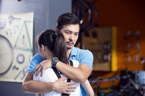 歐陽娜娜與連凱在電影《破風》中飾演父女 2