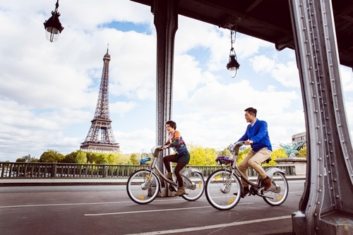 《巴黎假期》全片在法國巴黎實地拍攝 經典場景與美景盡收眼底.jpg