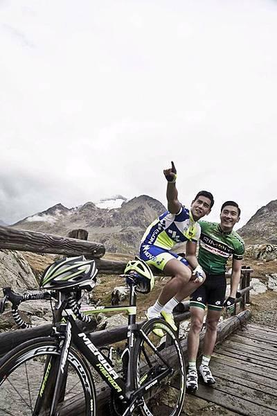 彭于晏與崔始源在義大利雪山上拍攝《破風》3
