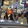 古天樂在《迷城》飾演辭去警察職位的酒吧老闆3.JPG