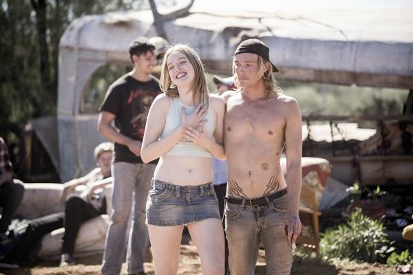 麥蒂森布朗在《陌生之地》飾演妮可基嫚女兒莉莉 青春美麗但行為放浪1.jpg