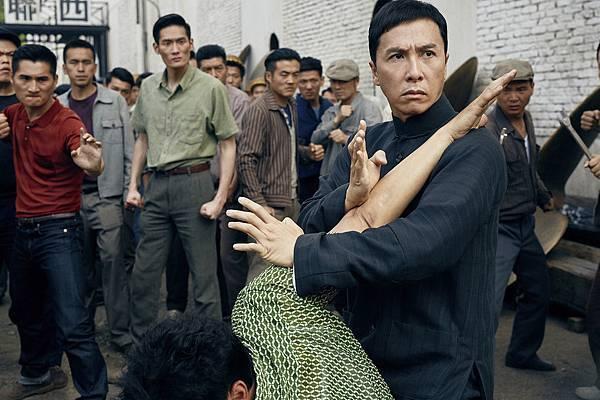 甄子丹在這集《葉問3》仍有許多武打場面.jpg