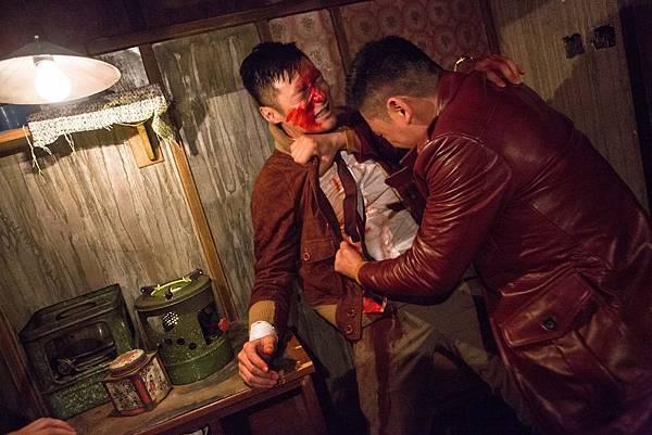 余文樂客串《陀地驅魔人》演打戲滿臉是血.jpg