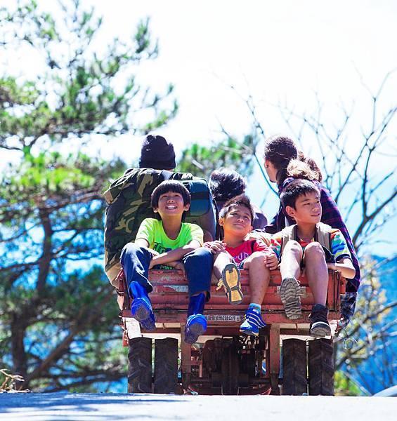 本片以三位原住民部落小男孩為主角 如同原民版《冏男孩》.jpg