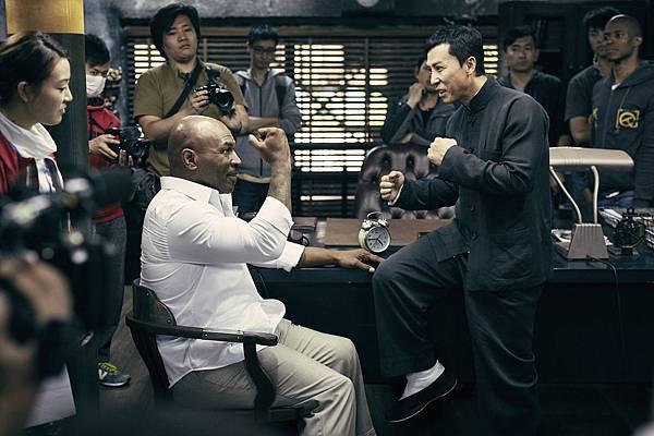 首次拍攝動作片的泰森大讚甄子丹 覺得從他身上學到很多.jpg