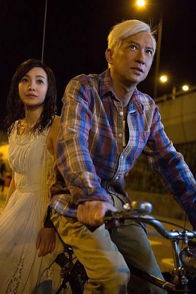 張家輝與郭采潔飾演的女鬼 在《陀地驅魔人》有神祕關係.jpg